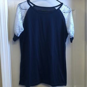 Tops - Lace sleeve jersey tee